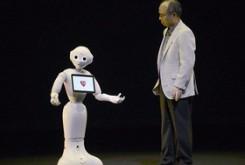 مطالب داغ: ربات مهربان و عاطفی که لطیفه هم تعریف میکند