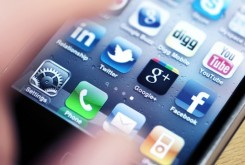 بررسی نفوذ اینترنت و شبکه های اجتماعی مجازی بر زندگی فردی و اجتماعی نسل جوان