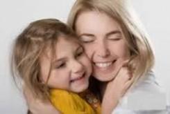 چگونه یک رابطهی مادری دختری سالم داشته باشیم؟