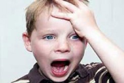 n00037210 b اثر مخرب تذکر والدین به کودکان دچار تیک عصبی