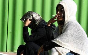 """مواد مخدری به نام """"گل"""" در کمین دختران جوان"""