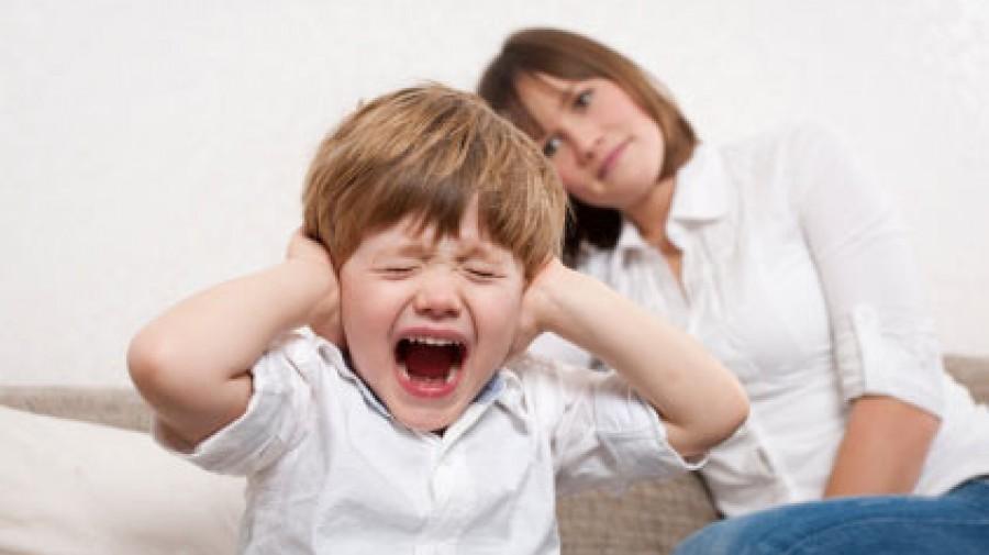 نشانههای بالینی کودکان بیقرار