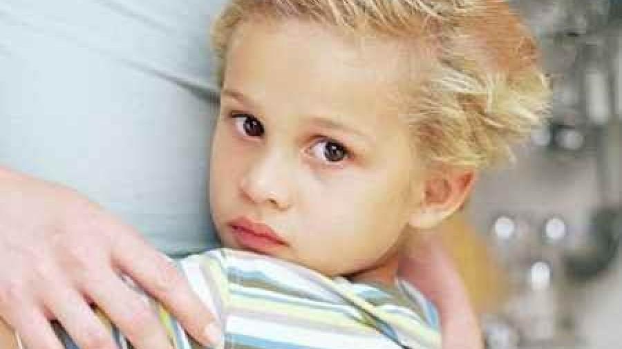 چگونه به فرزندمان بر ترسهایش غلبه کند؟