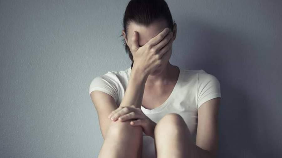 دلیل آسیب رسانی دختران به خود چیست؟!