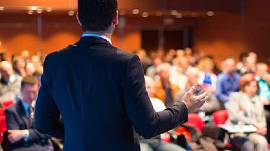6 مهارتی که شما را به یک سخنران حرفه ای تبدیل می کند