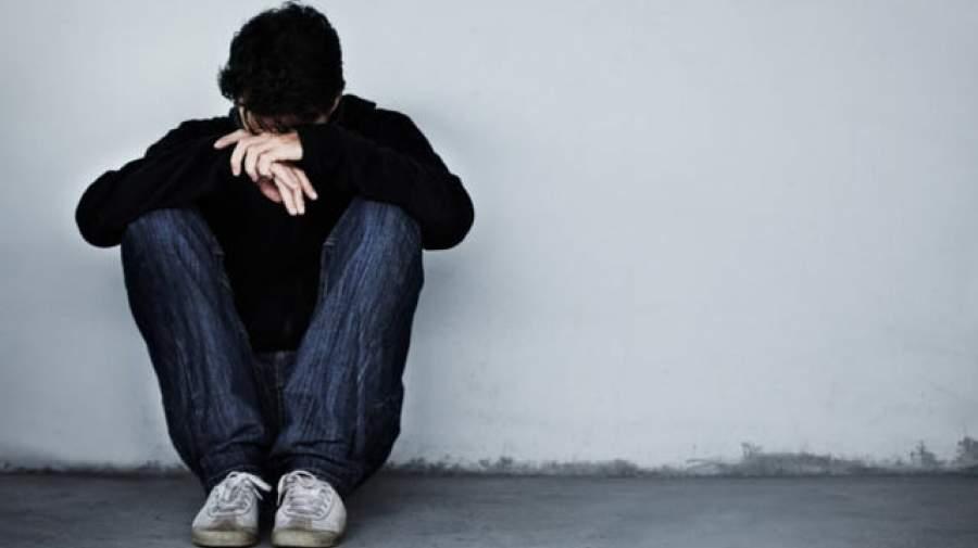 چرا احساس انزوای وجودی در مردان بیشتر است؟