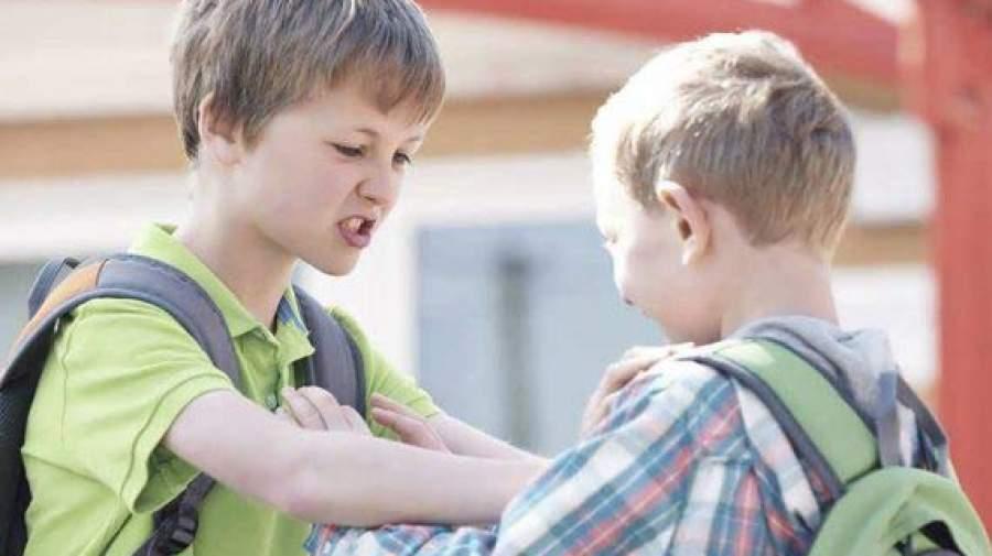 دلایل پرخاشگری و خشونت در دوران نوجوانی